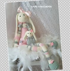 my newest pattern bunny Lisa is now available in English and Deutsch. You can contact me here  https://www.facebook.com/sapie.vanschepen.7