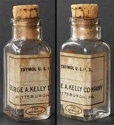 New medical decor medicine bottles 28 ideas Apothecary Bottles, Antique Bottles, Vintage Bottles, Bottles And Jars, Vintage Labels, Glass Bottles, Vintage Packaging, Antique Glassware, Vintage Ads