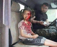 Syria Savasa Hayir Children Of Syria, Poor Children, Palestine, World Poverty, Innocence Lost, Head In The Sand, Innocent Child, Military Pictures, Fight For Us