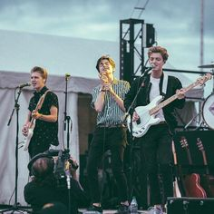 Yesterday was awesome! Can't wait to play the show in Boston New Hope Club, A New Hope, Blake Richardson, Reece Bibby, Korean Aesthetic, The Vamps, Celebs, Celebrities, Guys And Girls