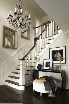 idee deco escalier avec des miroirs, design escalier droit en bois, style…