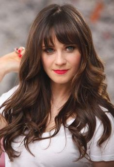 Hair please. Zooey Deschanel & her gorgeous hair. Haircuts For Long Hair, Hairstyles With Bangs, Pretty Hairstyles, Celebrity Hairstyles, Look 2015, Actrices Sexy, Corte Y Color, Long Layered Hair, Great Hair