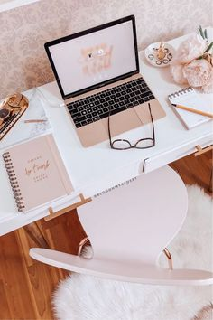 Home Office Bar . Home Office Bar . 360 Best Office Images In 2020 Bureau Design, Office Inspo, Office Decor, Office Ideas, Office Bar, Desk Inspiration, Home Office Desks, Desk Organization, My Room