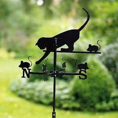 """""""A vidéki otthon"""": Állatok a kertben.."""