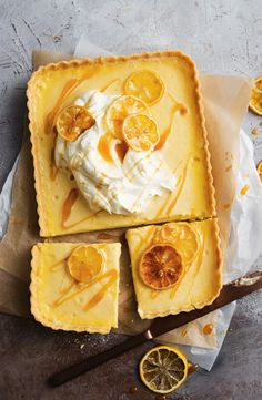 Lemon curd custard tart - {Piece of Pie or Tarte} - Lebensmittel Lemon Recipes, Tart Recipes, Sweet Recipes, Lemon Custard Tart, Lemon Curd, Lemon Tarts, Sweet Pie, Sweet Tarts, 13 Desserts