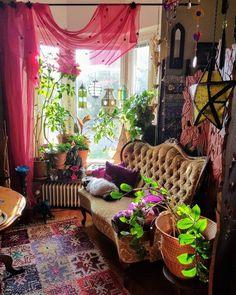 Bohemian Latest And Stylish Home decor Design And Life Style Ideas Bohemian Interior, Bohemian Decor, Bohemian Living, Living Room Decor, Bedroom Decor, Estilo Hippie, Aesthetic Room Decor, Indie Room, Home Decor Inspiration