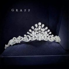 Time for my daily #graffgasm! A Head for Heights? This #GraffDiamonds Tiara will take you to another level... Repost @graffdiamonds