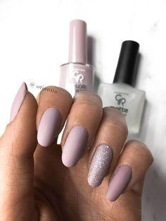 Golden rose color expert nail lacquer lakier do paznokci num Essie Nail Polish Colors, Opi Gel Nails, Rose Nails, Glitter Nail Polish, Pink Nails, Nail Colors, My Nails, Golden Rose Nail Polish, Golden Nails