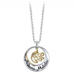 Hakuna Matata ain't no passing craze - it's your problem-free philosophy. Stay centered with this gorgeous silver-plated necklace featuring an engraving of The Lion King song and a gold tone Simba charm inside of a circle pendant. Luxury Jewelry, Boho Jewelry, Fashion Jewelry, Unique Jewelry, Disney Necklace, Disney Jewelry, Jewelry King, Jewelry Model, Hakuna Matata