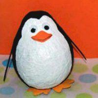 papier mache pinguin - surprise