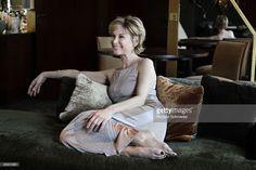 Photo d'actualité : Actress Michele Laroque poses at a portrait...