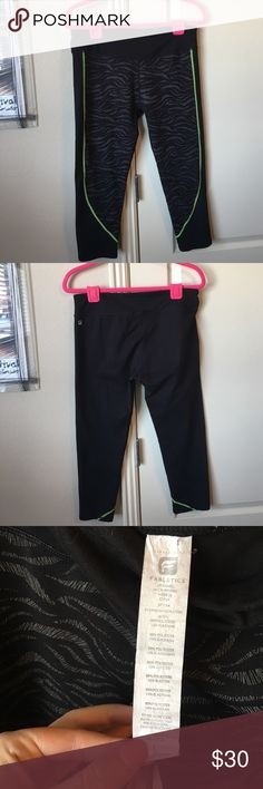 Fabletics printed leggings size large Fabletics printed leggings size large. Worn a few times, but in great condition. No holds or trades. ❤❤❤ Fabletics Pants Leggings