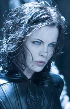 I love the texture of Kate Beckinsale's hair in the Underworld movies. Actually, what's NOT to love about Kate Beckinsale???