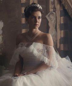 Vanessa Kirby The Crown, Your Spirit Animal, Princess Margaret, Vintage Glamour, Period Dramas, Royal Families, Movies Showing, Costume Design, Tv Series