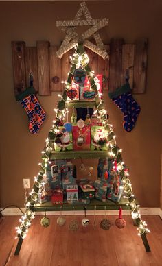 21 Wooden Ladder Christmas Decoration My Christmas tree this year Homemade from cedar planks Grinch Christmas, Christmas Past, Winter Christmas, All Things Christmas, Christmas Crafts, Christmas Tree Village Display, Ladder Christmas Tree, Christmas Trees, Christmas Spectacular