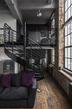 ☝☟escadas - Dormir dans un loft et visiter Londres - PLANETE DECO a homes world - Espace Design, Loft Design, House Design, Stair Design, Design Exterior, Home Interior Design, Interior Architecture, Industrial House, Industrial Interiors
