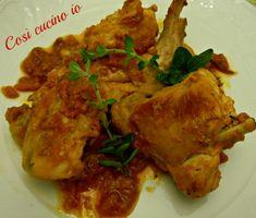 Coniglio allischitana, ricetta secondi piatti Chicken Salad, Biscotti, Italian Recipes, Pickles, Salads, Meat, Food, Game, Meals