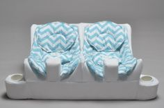 Genius and stylish Twin Baby Feeding System Twin Girls, Twin Babies, Twin Baby Rooms, Boy Girl Twins, Ideas Habitaciones, Nursery Twins, Nursery Ideas, Baby Must Haves, How To Have Twins