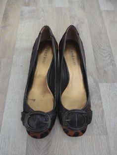 Zapatos animal print tipo pelo con eco cuero marrón #NineWest #ComoNuevos #ModaSustentable. Compra esta prenda en www.saveweb.com.ar!