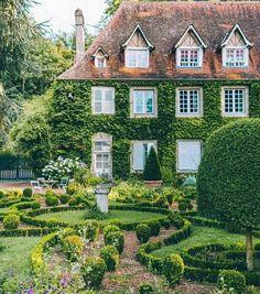 627 best country cottages images cottage cozy cottage chalet style rh pinterest com