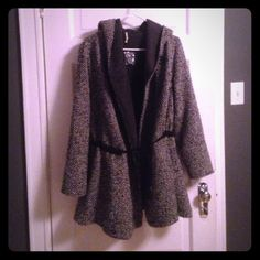 Beautiful in season Free People tweed light coat! This comfortable BRAND NEW/NEVER BEEN WORN Free People coat is jersey material on inside, tweed on outside, mid draw string coat is perfect for upcoming spring! Warm and cozy, yet not too thick! Looks great if you cuff the arms, black and dark grey-goes with anything! I originally bought it for myself but it's a tad too big for me, so I'm selling it $100 cheaper than I paid. It's beautiful and BRAND NEW! I cut off the tags right when I got…