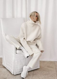 All White Cozy Style - Winter Outfits Mode Outfits, Trendy Outfits, Fall Outfits, Fashion Outfits, Fashion Trends, Fashion Tips, Cozy Fashion, Minimal Fashion, Winter Fashion