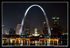 Louis, the gorgeous Gateway City Saint Louis Arch, St Louis Mo, Chicago Travel, Chicago Trip, United States Travel, Vacation Spots, Vacation Ideas, Amazing Destinations, City Lights