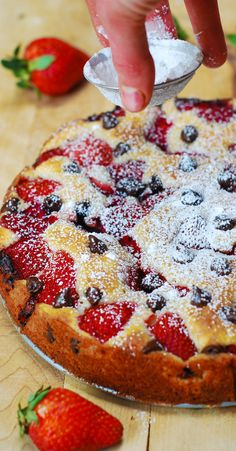 Strawberry chocolate chip cake. Colorful, easy to prepare, light and fluffy cake texture - perfect for the Summer!