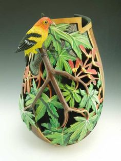 Arizona Gourds - Distinctive gourd art by Bonnie Gibson.   (she is my gourd crafting idol - I would love to have this talent).