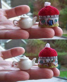 Cottage Tea Cozy ---- Miniature Version