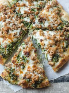 Pizza night is a regular occurrence around here. I like to mix up the toppings and flavors, but the method is always the same. Pizza stones for life, right? However, this kale pesto and sausage p Pesto Pizza, Kale Pizza, Parmesan Pizza, Pizza Lasagna, Vegetable Pizza, Pizza Pizza, Beef Pizza, Chicken Pizza, Pizza Recipes