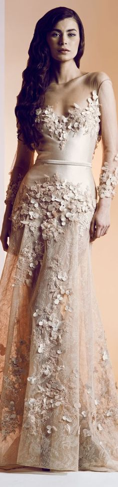 Ziad Nakad Haute 2014 ○ ♔LadyLuxury♔ It s a little on the. side bef28f7ff925