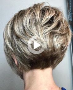 Hair Beauty - Short Pearl Blonde Razored Bob Stacked bobs with bangs are sultry and sensual. Blow your hair perfectly straight, o Short Hairstyles For Thick Hair, Haircuts For Fine Hair, Short Bob Haircuts, Messy Hairstyles, Hairstyles For Older Women, Layered Hairstyles, Modern Hairstyles, Thin Hair Cuts, Short Hair With Layers
