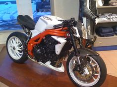 Full Pull, Triumph Speed Triple, Chopper, Mornings, Cars And Motorcycles, Naked, Vehicles, Design, Motorbikes