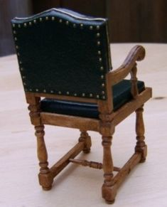 TUTORIAL - De Titanic in miniatuur.: Diner stoelen maken.