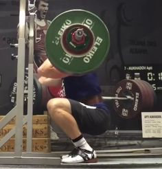 Should Non-Olympic Weightlifters Wear Weightlifting Shoes? - BarBend