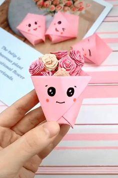 Diy Crafts Love, Cool Paper Crafts, Paper Crafts Origami, Diy Crafts Hacks, Diy Crafts For Gifts, Creative Crafts, Crafts For Kids, Diy Paper, How To Make Crafts