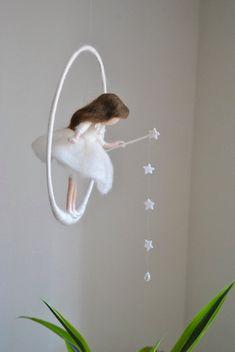 Wol pop /Nursery Mobile / muur opknoping Waldorf door MagicWool