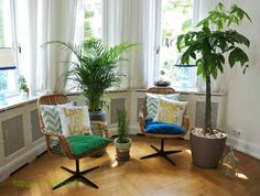 The Greenery goes well with my 70ies Vintage Bamboo swivel chairs. Green and turquoise are my favorite colors by happyhomeblog.de