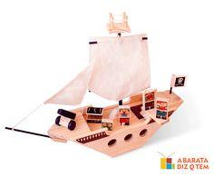 Navio Pirata Kitopeq - Os navios foram os responsáveis pelas grandes descobertas de território no mundo. Usando as velas para se movimentarem, atravessaram o planeta. Com o Navio Pirata, novas aventuras virão ao desbravar os sete mares, e, pela cara de vontade da tripulação, existem ainda muitos tesouros perdidos. Junte-se a eles nessa!