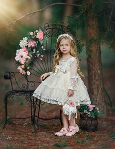 21 Country Flower Girl Dresses That Are Pretty ❤ country flower girl dresses with sleeves lace short old classic photography ❤ Full gallery: weddingdressesgui… Wedding Dresses For Kids, Pretty Wedding Dresses, Wedding Flower Girl Dresses, Little Girl Dresses, Flower Girl Dresses Country, Ceremony Dresses, Leila, Beautiful Children, Baby Dress