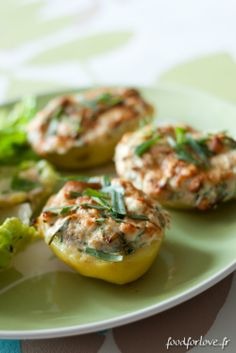 Pommes de Terre Farcies au Saumon, Fromage Frais et Estragon                                                                                                                                                                                 Plus