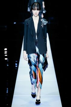 Giorgio Armani Fall 2015 Ready-to-Wear Fashion Show