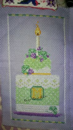 March Cake - A year of Birthday Cakes - Brooke Nolan Cross Stitch Ponto Cruz