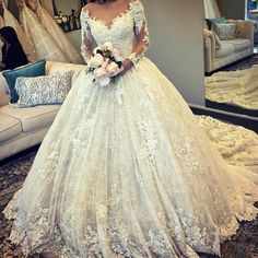 Vintage-Lace-Wedding-Dresses