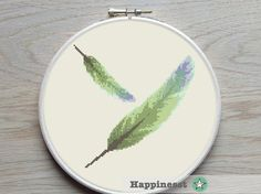 Modern cross stitch pattern feather. The pattern fits a 9 inch embroidery hoop (if stitched on 14 count aida)  The pattern comes as a PDF file that