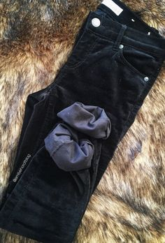 You'll be right on trend as we begin to enter into the holiday season with a pair of velvet pants! Check out the full post at emilyehardt.com! #StayClassy  - - - - #fashion #fashionable #fashionista #fashionstyle #style #styles #stylish #stylist #pretty #garment #gorgeous #classic #ootd #outfit #wiw #blog #blogger #bloggerstyle #fashionblog #blogging #classic #look #fall #loveloft