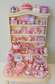 Re-ment in pink. Miniature Kitchen, Miniature Crafts, Miniature Food, Miniature Dolls, Miniature Houses, Barbie Doll Set, Barbie Food, Doll Food, Doll Crafts