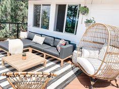 Resin Patio Furniture, Diy Garden Furniture, Patio Furniture Sets, Furniture Legs, Barbie Furniture, Furniture Styles, Furniture Design, Outdoor Lounge Furniture, Patio Lounge Chairs