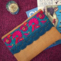 Embrague étnico floral, bolso amarillo mostaza, embrague hecho a mano, bordado de seda y encaje